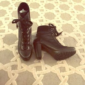 Joan & David leather and suede boots size 7 1/2